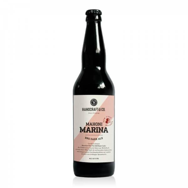 Produktbild einer Flasche Hanscraft & Co. Mahoni Marina BBQ Dark Ale im Rumfass von Simon's Feinbrennerei gereift